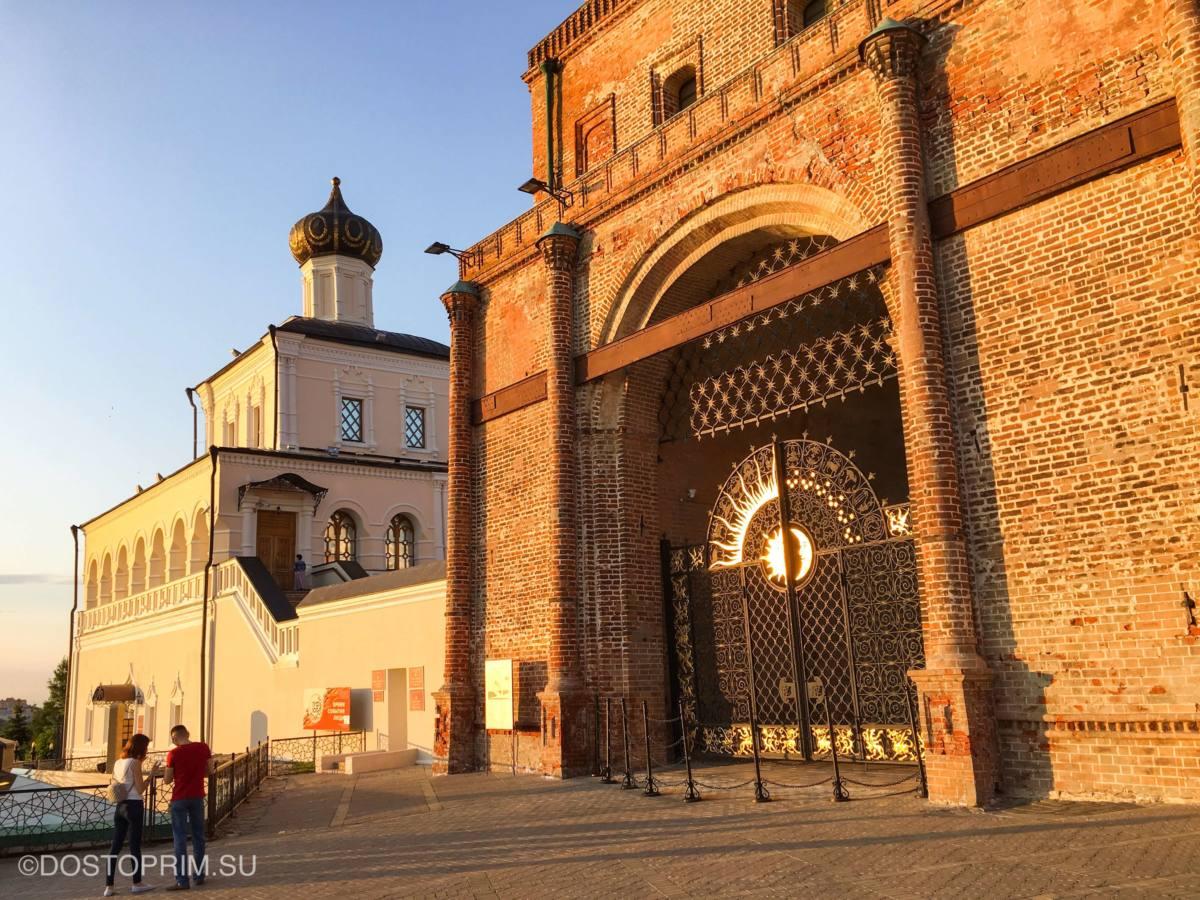 Ворота у башни Сююмбике
