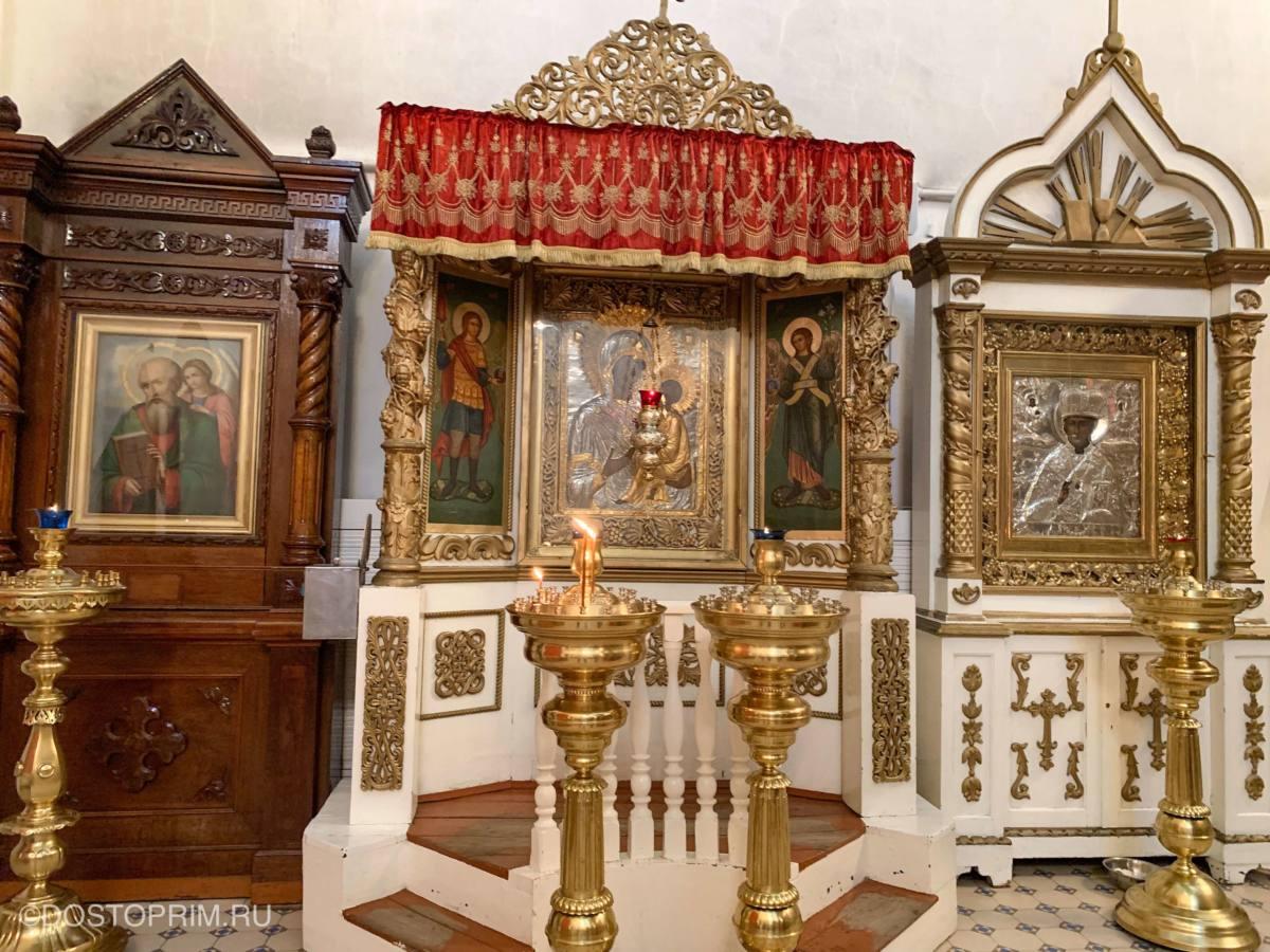 Иконы в Свято-Троицком соборе