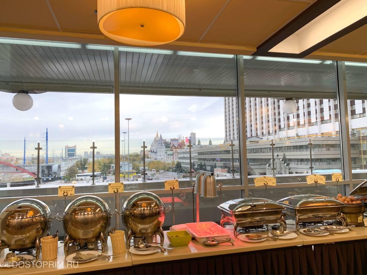 Завтрак в отеле Измайлово Вега