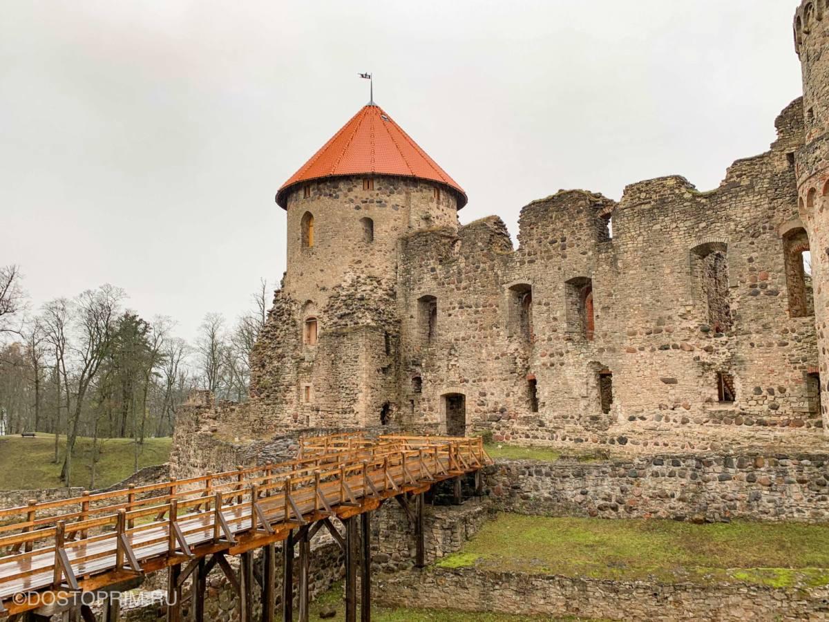 Западная башня Цесского замка