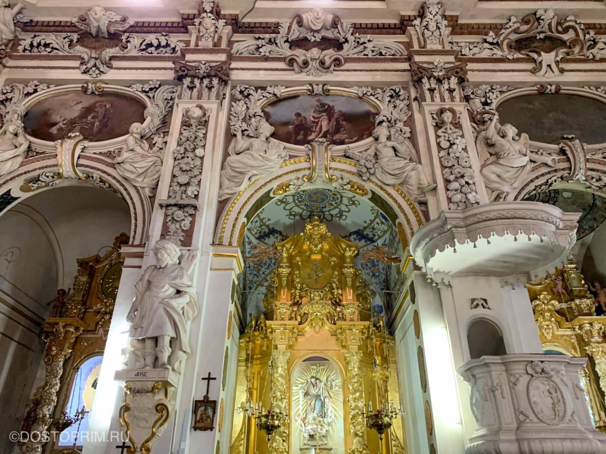 Барочная церковь Святых Иоаннов