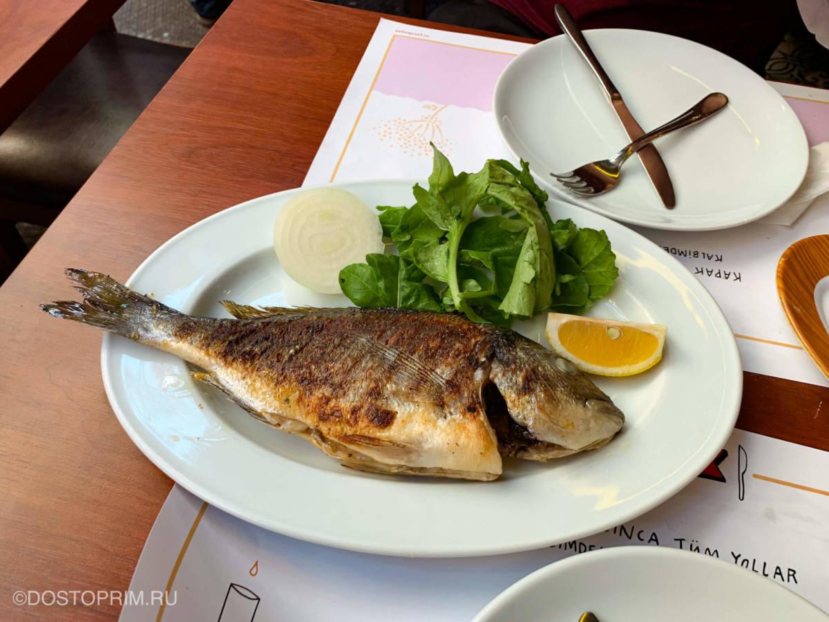 В рыбном ресторане Кадыкея